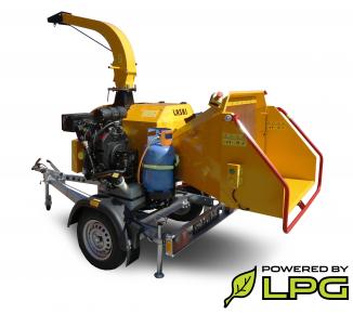 Výkonný štěpkovač na benzín a LPG s brzděným podvozkem LS 160 PGB
