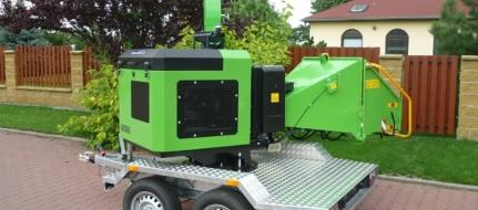 Štěpkovač na naftu a s brzděným podvozkem LS 150 DW